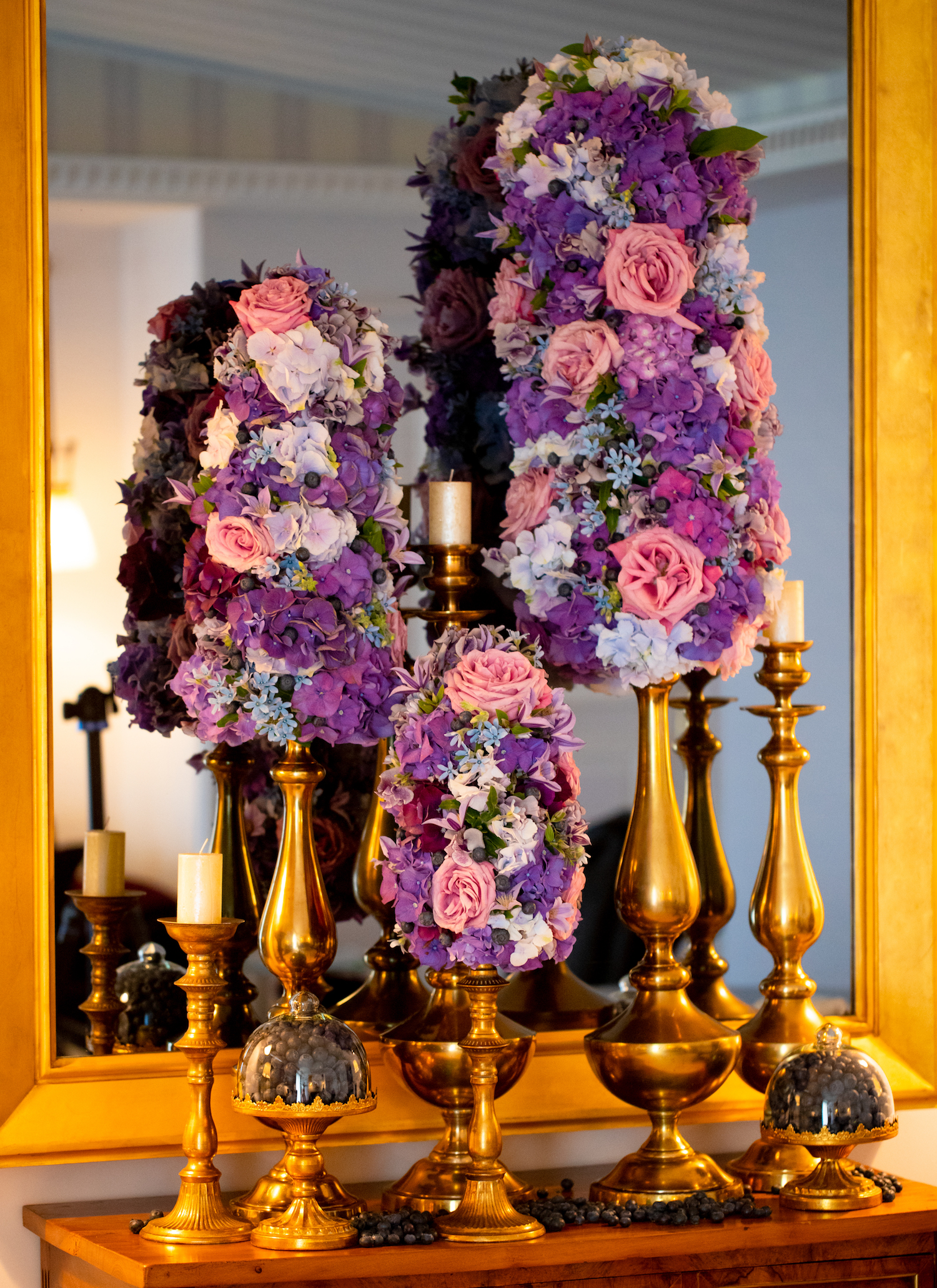 By LiQIN WANG- CREATIONS FLORALES JULIAN TONNELLIER
